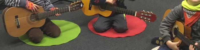 Musike Berlin - Instrumentenkarussell, Banner Jahreskurse Gitarre