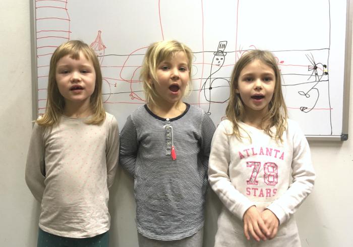 Musikes Märchensingen - drei Kinder singen